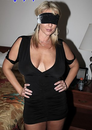 MILF Blindfold Porn Pictures