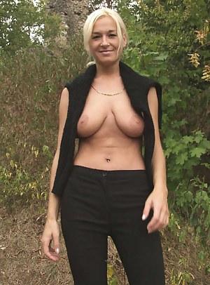 Naked outdoor milf Naked Amateur